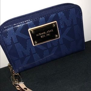 Michael Kors Patent Leather Multi Function Wallet